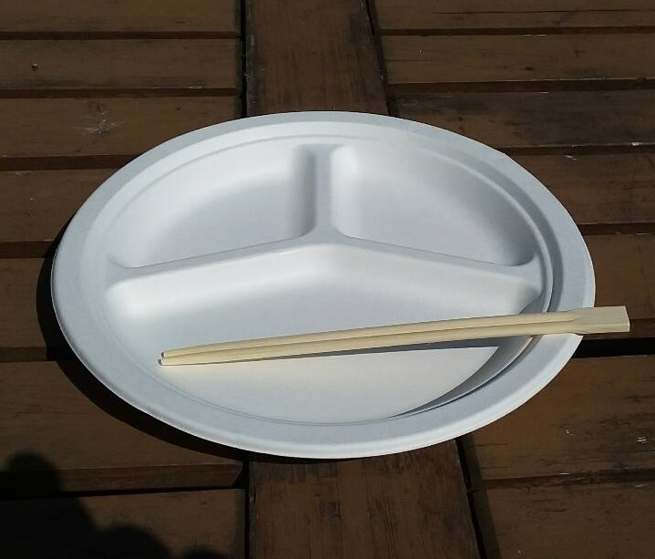 割りばし、紙皿